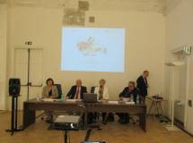 Parte il Convegno: (da sin.) Daniela Imperi, Vittorio Emiliani, Gemma Guerrini, Roberto Del Signore