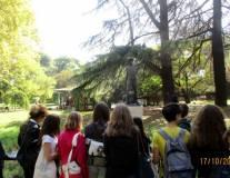 Prima dello sparo del cannone si visita il Parco degli Eroi: un saluto al busto di Righetto