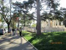 Srriviamo nella zona del Sacrario pronti ad entrare al Mausoleo Ossario