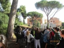 Saliti sul sesto bastione si vede in lontananza anche la Basilica di san Giovanni