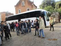 Gran movimento sul piazzale, Stefano Nenni vigila