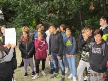 Un'alunna legge l'attacco dei francesi al settimo bastione