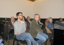 La sala non è molto piena: in primo piano il giovane Alessio Cutrona e alle sue spalle i nostri Gaetano D'Auria e Roberto Pagano