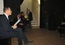 Primo piano per Palombelli; sullo sfondo Bruno Manzi e Fabio Bellini, Cons. regionale già Presidente del Municipio