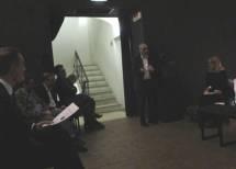 Nell'oscurità… della sala l'intervento/saluto di Maurizio Marrale del Comitato di quartiere Monteverde Vecchio