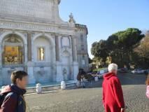 Si passa davanti al Fontanone -appena restaurato- per andare al Parco Gianicolense