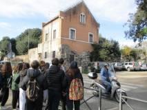 Uno sguardo alla palla di cannone prima di lasciare Villa Pamphili
