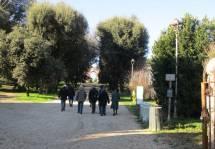 II gruppo verso l'Arco dei Quattro Venti ricostruito nel 1856-1859 sui ruderi di Villa Corsini distrutta nel 1849