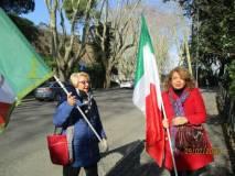 Ines Marisa Pietracci con Daniela Donghia entrano nel Parco Gianicolense, Parco degli Eroi