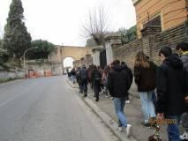 Lavori a Villa Sciarra, si esce dal cancello principale perché il cancello davanti a Via Roselli è chiuso