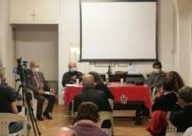 I partecipanti assai attenti seguono i relatori: nell'immagine parla il prof. Monsagrati
