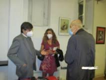 Il prof Giulio de Martino al termine, mentre si intrattiene con Mara Minasi e Siro Pusinieri