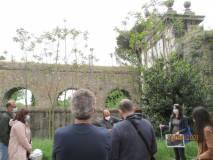 Siamo all'Arco di Tiradiavoli, all'acquedotto Paolo V . Anche l'architetta Manuela Franci spiega