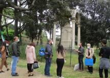 Si può guardare anche il monumento ai caduti francesi, pur recintato