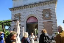 Davanti a Porta san Pancrazio
