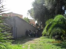 Si sale sul sesto bastione; il bastione viene compreso meglio guardando in basso dalle feritoie