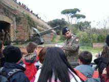 ALIM6811 il militare in servizio a LAquila familiarizza con le classi di Tagliacozzo_big