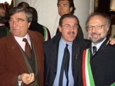 Cerimonia al MAUSOLEO: il segretario del Comitato Gianicolo (Luciani) con gli assessori del Comune di Roma (Borgna) e della Regione Lazio (Robilotta)