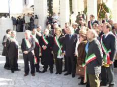 Cerimonia al MAUSOLEO: I Sindaci del Lazio con il presidente Regione Lazio (Storace) e l'assessore alla Cultura del Comune di Roma (Borgna)