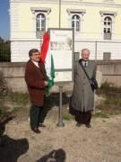 VILLA PAMPHILI pannello 1: inaugurano Enrico Luciani e Cesare Balzarro a nome del Circolo A. Cipriani e del Comitato Gianicolo