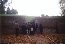 il gruppo in prossimità della breccia