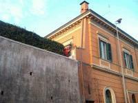 ALIM6546 saluti dal balcone_small
