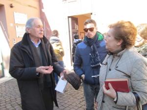 Carlo Casentini saluta la prof. Anna Tariciotti