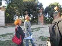 la professoressa Maria Grazia Orfei e il prof. Roberto Longo seguono con attenzione