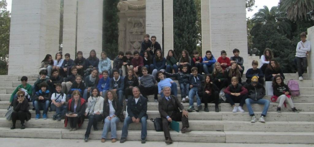 foto di gruppo al Mausoleo Ossario Gianicolense