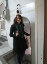 Manuela Franci risale dal pozzo che dissetò i garibaldini