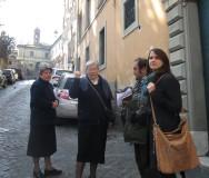 al termine della visita usciamo dall'ingresso  di Via S. Onofrio,