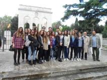 La classe di Liceo Classico con il prof. Guglielmo Mochi, visitano il Mausoleo assistiti dal nostro dr Roberto Calabria