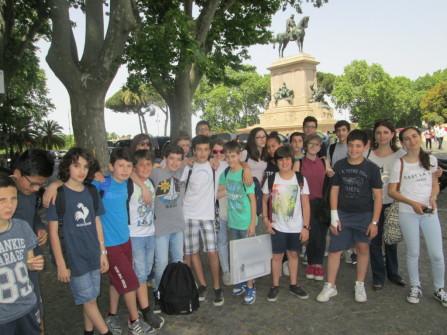 foto ricordo al Piazzale Garibaldi per la II O