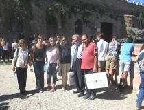 da sinistra: prof.sse Laura Toscano, Carla Cesaretti, Silvia Valentini, Silvana Ciotta con Enrico Luciani e Roberto Calabria