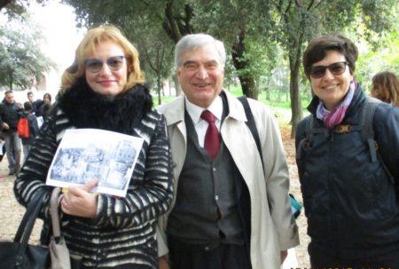 Da sinistra: l'assistente Simonetta Cavallari, Enrico Luciani e la prof.ssa Giovanna Cuppuleri