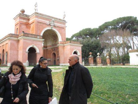 Le prof.sse Marina Schiavone e Marina Di Napoli incontrano Domenico Basile, Consigliere del Municipio XII che ha voluto partecipare alla visita