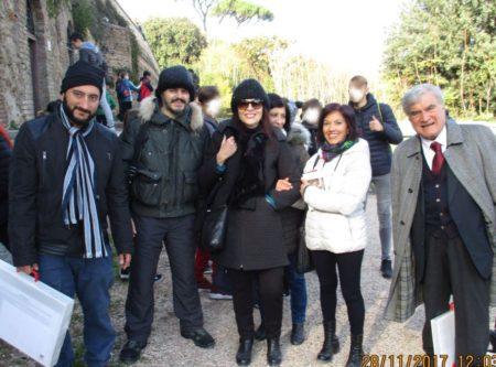 Al centro la prof.ssa Adelia D'Annessa con Maria Diano alle spalle, accanto a lei la prof,ssa Doretta Merolla e l'educatore Giovanni Di Mauro, in foto con Enrico Luciani e Roberto Calabria