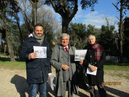 Enrico Luciani al centro e sulla destra il prof. Leandro Guercio della III A