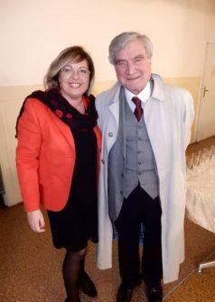 Catia Fierli, molto contenta della presenza di Enrico Luciani, lo ringrazia