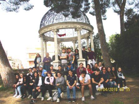 Foto di gruppo per le classi IV G e I: il luogo è magico!