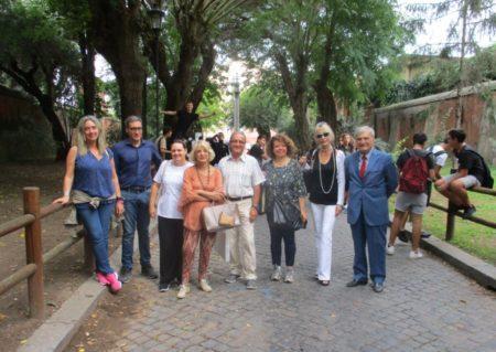 Foto ricordo, da sinistra: i proff. M. Federica Naddeo, Antonio Caridi, Flavia Grassetto, Graziella Farenza Massimo Capoccetti, Daniela Donghia, Paola Cigni, Enrico Luciani