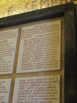 All'interno della cripta del Mausoleo il riquadro che riporta i nomi dei CADUTI a Porta Pia