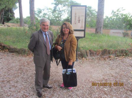 Enrico Luciani e Daniela Donghia al pannello IL FARO DEGLI ITALIANI D'ARGENTINA