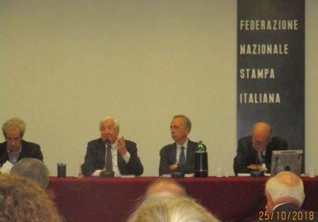 Vittorio Emiliani nel suo intervento introduttivo