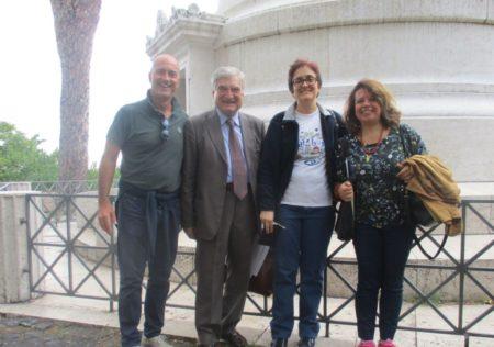 Pronti per la visita, da sinistra: prof. Francesco Castiglione, Enrico Luciani, prof. Concetta De Meo, Daniela Donghia
