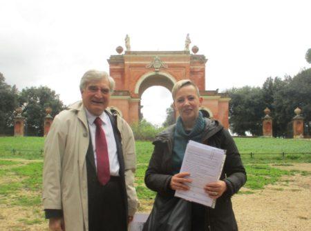 Enrico Luciani con la prof.ssa Francesca Piras per la 1° D del liceo Morgagni
