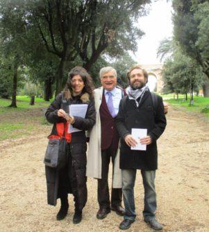 Per la III D, da sinistra, la prof.ssa Maria Cristina Diamantini, Enrico luciani e il prof. Dario Vatalaro