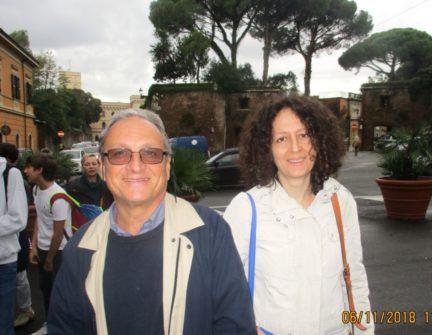 Massimo Capoccetti con la prof.ssa Antonella Petrelli per la 1° H del liceo Morgagni