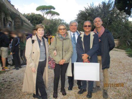 Foto ricordo, da sinistra: le proff. Adriana Falcone e Carla Motto, poi Enrico Luciani, Massimo Capoccetti e il prof. Davide Scotta