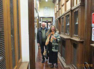 Claudio e Noemi tra i documenti storici della splendida Biblioteca